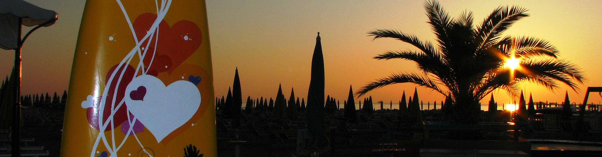 Matrimonio In Spiaggia Rimini : Matrimonio in spiaggia a rimini bagno vatikaki